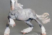 figurki koni