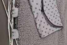 Natalys au clair de la lune - univers Hibou / Découvrez notre nouveau textile d'environnement Hibou. Craquant et résolument douillet, ce thème ornera la chambre de bébé de hiboux tout doux. Composé de tour de lit, turbulettes et pointe éponge, il offrira à votre bébé de jolis rêves au clair de la lune...