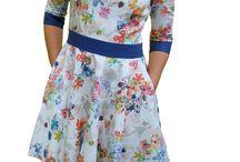 We love spring / Der Frühling ist da! Endlich können die dicken Wollpullis weggepackt werden und die schönen Kleider hervorgeholt werden. Auf diesem Board gibt es die schönsten Frühlings-Outfits / Spring-Outfits 2017. Und das Beste ist, die meisten Kleider könnt ihr euch selbst maßgeschneidert bei https://www.uniquestyler.de/ schneidern lassen.