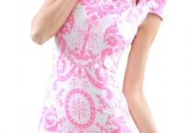 Fashion Dress / You'll love the feel of the comfortable, body-loving fabric, as well as its versatile silhouette.