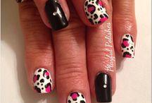 Beauty: Nails / by Corttni Bobek