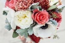 Wedding Flowers / Wedding Flower Arrangement and Bouquet Inspirations #weddingflowers #weddingbouquets