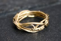 Esküvői gyűrűk és ékszerek