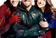 The flash and supergirl and green arrow