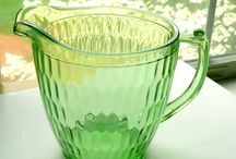 DEPRESSION GLASS / Vintage Glass