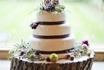 A slice of wedding cake / Amazing wedding cake ideas perfect for rustic barn weddings