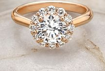 Engagement & wedding rings / by Nicole Digirolamo