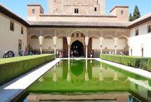 Alhambra / Alhambra - Rudý hrad, je středověký komplex paláců a pevností maurských panovníků Granady ( Andalusie, Španělsko )
