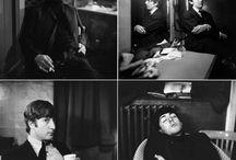 JANE BOWN / 89-летняя Джейн Баун — Модильяни британского фотопортрета: в ее строгий, но сочувственный объектив за последние 65 лет попало огромное количество замечательных людей из всех сфер британской — и не только — жизни. Миниатюрная, типично английская по внешности и манерам женщина с камерой всю жизнь проработала фотокором еженедельника The Observer — и все эти годы оставалась верной раз и навсегда выбранному портретному стилю: спонтанно срежиссированному, черно-белому крупному плану в интерьере.