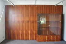 Drzwi wewnętrzne, ukryte w ścianie, z niewidocznym zamkiem.
