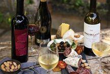 VINI / IT'S WINE O'CLOCK:::buon vino fa buon sangue / by Hannah Wageneder
