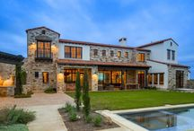 Home Gallery / Austin's finest luxury homes. Every John Siemering Home is built to be a lasting monument.