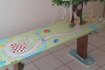 Le bureau des milles mondes de Julie / Fabrication maison d un bureau d enfant pour jouer et travailler à tout moment !  Hauteur 52 cm*L 140 cm* l 40 cm