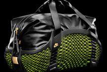 Nike √