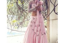 Shop Budget Lehenga / Looking for budget designer lehengas? Check out the Frugal2Fab Shop Page for lehengas starting from INR 6000 to designer lehengas by Sabyasachi and Manish Malhotra among others.