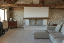 Minimalist Chic / Beautiful interiors where clean lines and light are favoured over intense decoration