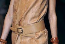 Cinturones y bolsos