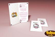 Invitatie de botez cu Hello Kitty si 4 modele de plic / Invitație de botez modernă cu tema Hello Kitty. O invitație de botez roz, perfectă pentru fetițe.  În preț intră invitația și plicul, care se pot personaliza la cerere, gratuit. Alege modelul de plic din galeria foto.  ▧ Materiale folosite:      carton satinat alb pentru invitație.     carton mat alb pentru plic.  Invitația de botez poate fi personalizată așa cum doriți și pentru petreceri cu tematică, aniversări, etc, fără nici un cost suplimentar!  http://goo.gl/1fqAmB