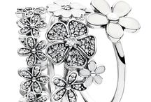 Must have jewellery
