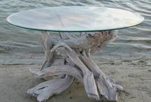 stol zo sklom zvyvratu