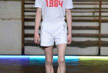 Gosha Rubchinskiy / Russo, Gosha Rubchinskiy, com seu streetwear pós-soviético, inspirado e feito para os jovens que nasceram após 1991, ano que marca o fim da União Soviética, vem mudando o visual da moda jovem contemporânea e redefinindo o streetwear.