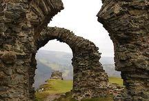 Landscape - Stone Walls and Falling Timbers / Castles, ruins, and other stone structures
