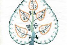 """BRODERIES / Bouquets / Pour mes """"bouquets"""" brodés je m inspire de la nature..fleurs et feuilles, arbres et branches, deviennent ornements"""