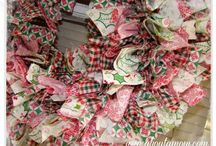 DIY Christmas Wreaths / Exciting christmas wreath ideas incorporating mixed textiles such as fabric, ribbon and other sewing-related bits!