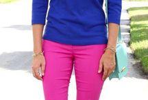 Blusa azul y pantalón mangenta