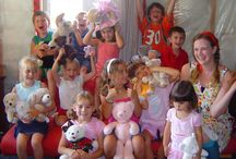 Teddy Bear Picnic / Our Teddy Bear Picnic Show is a great show for kids parties. We service Toronto and it's surrounding cities.