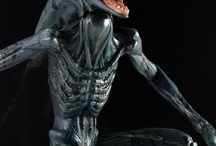 Prometheus Series 2 / Following up on the success of the Series 1 Engineer Figures, we're proud to celebrate shipping out our Prometheus Series 2 7″ Action Figures by showing off some awesome new action shots of David 8 and the Deacon!