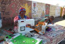 Chráněná dílna v Namibii / Fotky z dílny ve slamu Tseiblagtee a příběhy žen, které vyrábějí naše produkty.