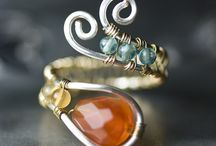 Crafty - Jewellery / by Elizabeth Crowe