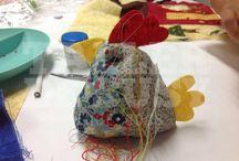 Muñecos / Una muestra de la muñequería para cada época del año y proyectos especiales de la profesora Susy.