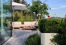 Terrasse + Garten / Schöne Terrassenbeläge (Holz, WPC, etc.), sowie zeitlose Landschadtarchitektur