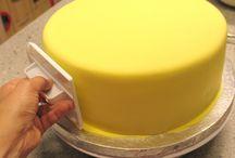Baking Sweets / by Dee Nevitt