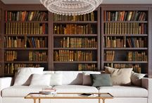 Bücherregal