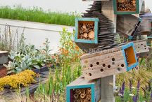 Bug and insect hotels / Ideas for making bug and insect hotels in the garden.