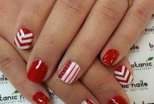 nails / by Nicole Silva