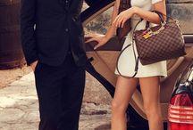 Casual chic / Leasy Luxe surprend la princesse en vous avec de nombreux styles et sacs à main de luxe parfaits pour des moments magiques !