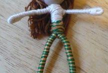 Bonecas feitas com arames