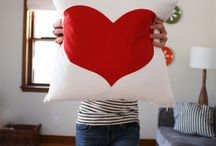 PILLOW PARTY / pillow making inspiration as I quickly get bored.  / by Joy Ryan