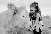 Ariana Grande with pet / Ari+pet=Lovers :3
