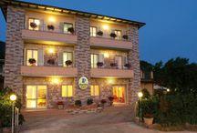A Special Holiday in Assisi / Un'oasi di pace e relax immersa nella natura a 3 km da Assisi, con area benessere,ristorante tipico umbro e navetta per Assisi, camere con vista panoramica