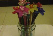 Flowers pensil warna / Menghias ujung pensil warna dn bsa di gunakan juga untuk hiasan meja belajar