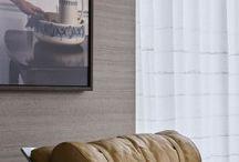 Woonstijlen \\ Lifestyle & Landelijk / Deze woonstijl is comfortabel, klassiek en rustig. Denkt u aan rustieke meubels, shutters en een tapijt als sfeermaker. Hier wordt veel hout en steen gebruikt, maar ook mooie effen stoffen in natuurlijke tinten en materialen zoals wol, linnen en katoen. Een landelijk interieur kan raakvlakken hebben met een meer brocante en romantische stijl. Het kleurenpalet bevat natuurlijke tinten zoals wit, beige, crème, bruin en grijs. http://haskerkroon.nl/interieur/5-woonstijlen/lifestyle-en-landelijk/