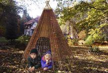 Spielhaus & Stelzenhaus / Spielhäuser aus Holz zur Aufstellung im Garten. Alle Spielhäuser werden als Komplett-Bausatz geliefert. Sie finden in unserem Angebot chromfrei imprägnierte Kinder-Gartenhäuser, als auch Kinder-Spielhäuser aus unbehandeltem Holz.