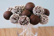 Çikolatalı tatlı tarifleri / Çikolatayı kim sevmez ki? En gencimizden en yaşlımıza, kadınımızdan erkeğimize kadar herkesin severek sevdiği çikolata ile ilgili onlarca tatlı tarifi bu kategoride.. http://tatlitarifleri.us/k/cikolatali-tatli-tarifleri/