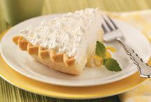 Love to Eat All Desserts!! / by Yolanda Pee