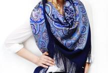Beautiful scarves und shawl from Pavlovo Passade
